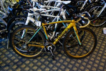 Vinokourov special edition S-Works Gold Bike 2012 Olympics Astana Alicante © Photo: Uggi Kaldan