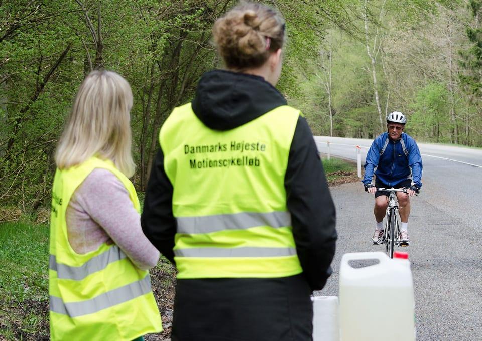 De gule veste Cyklingparts Race 2013