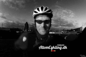 Redaktøren på glatis fra Aarhus til Silkerborg med Team Cult Energy og andre hurtige drenge