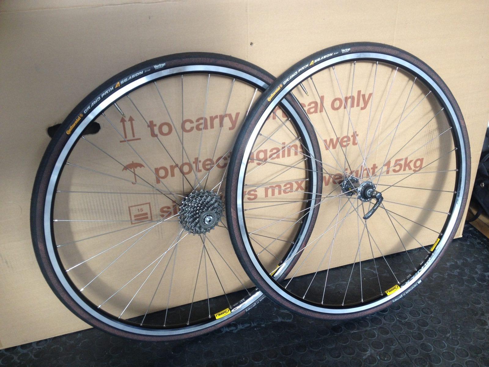Sådan ser et klassisk håndbygget hjulsæt ud - fedt! © Foto: Uggi Kaldan // AltomCykling.dk