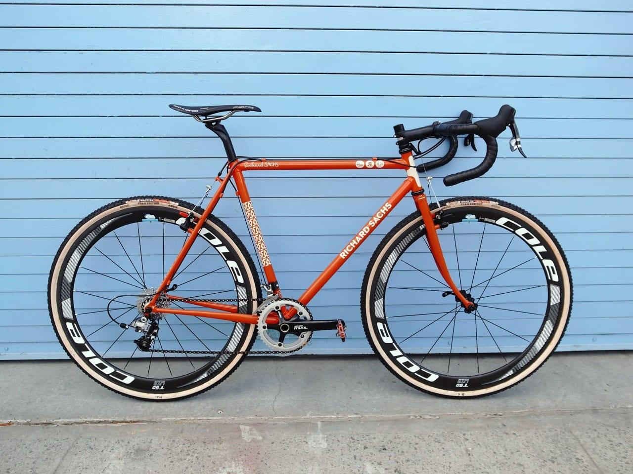 Bikeporn med Canti bremser ©Fundet på nettet af Zdrenka // AltomCykling.dk