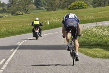 Jeppe Tolbøll kører udnytter sin FTP viden i et licens løb i DK ©Photo: Altomcykling.dk