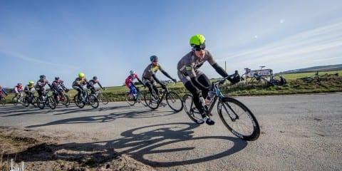 Forfølgerne Rasmus Fjordside og undertegnede til Ronde van Borum 2015 ©Photo: Martin Paldan, GripGrab Media Crew