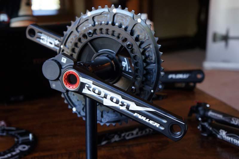 """Det """"gamle"""" Rotor powermeter med den udvendige måler - forskellen er tydelig © AltomCykling.dk 2015"""
