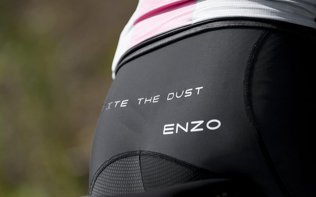 enzo-bib-ass