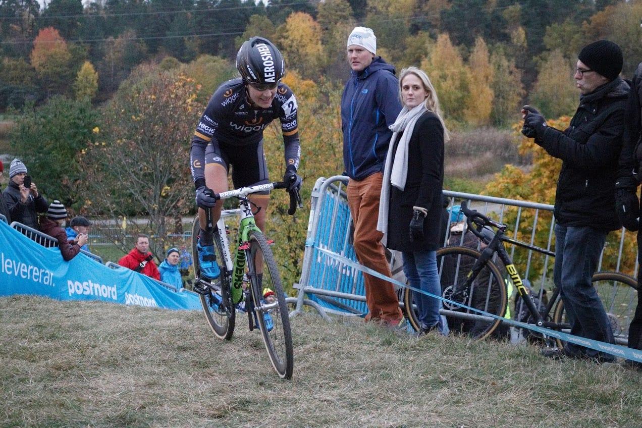 Ser hun ikke bare lidt presset ud? desværre ikke træt nok... :) Stockholm Cyclocross 2016 // AltomCykling.dk
