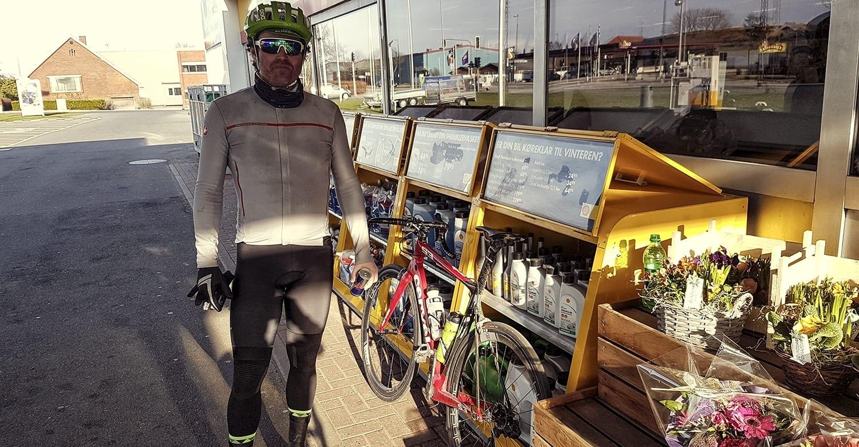AltomCykling.dks redaktør fylder lige depoterne