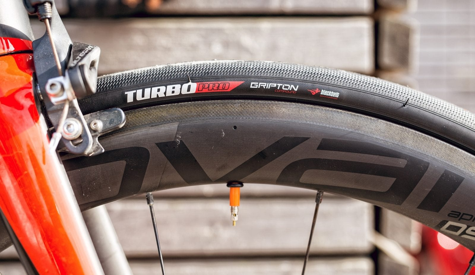 Tubolito Lightweight Inner Tube and Specialized Turbo Pro Tire 26