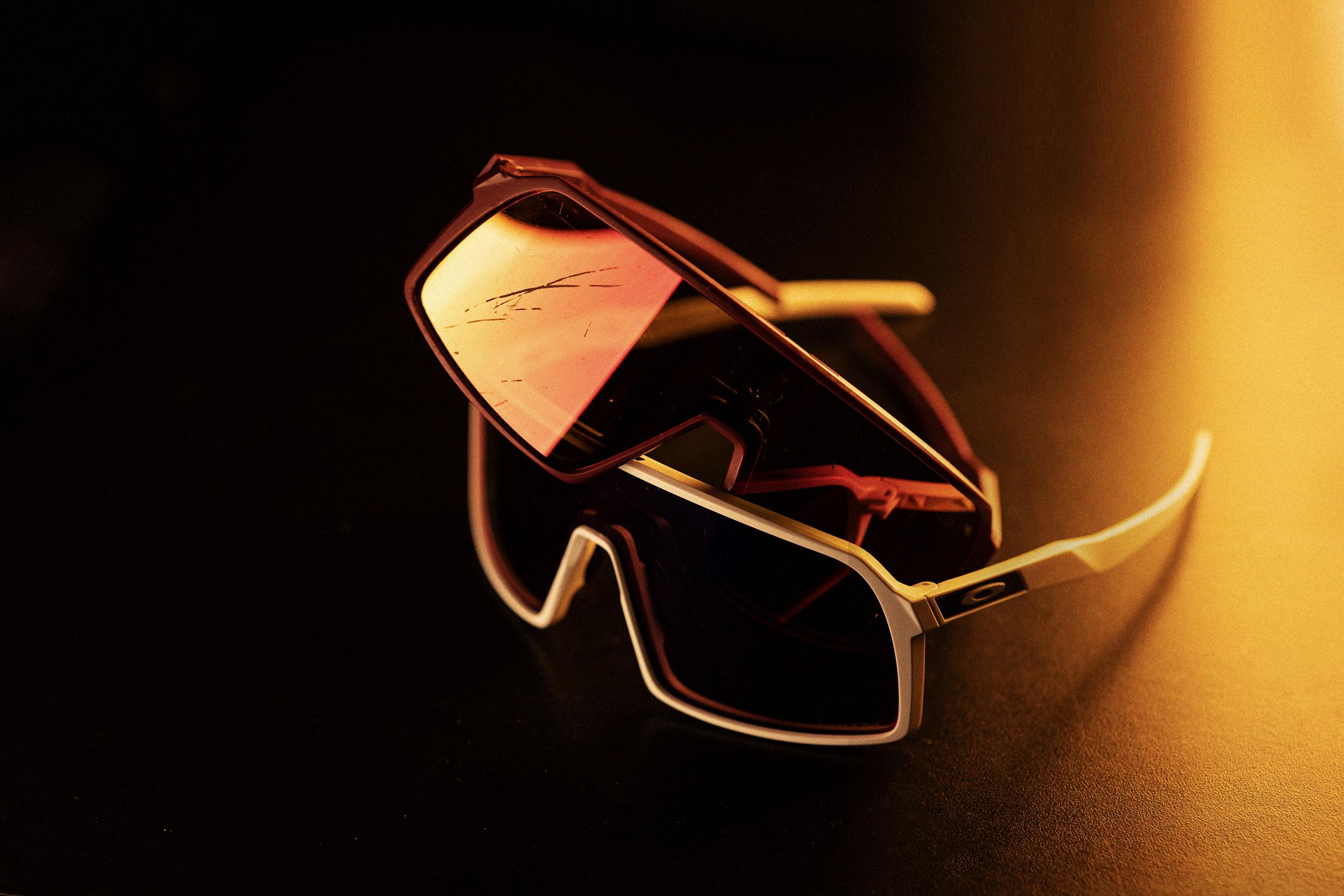 Oakley Sutro 004